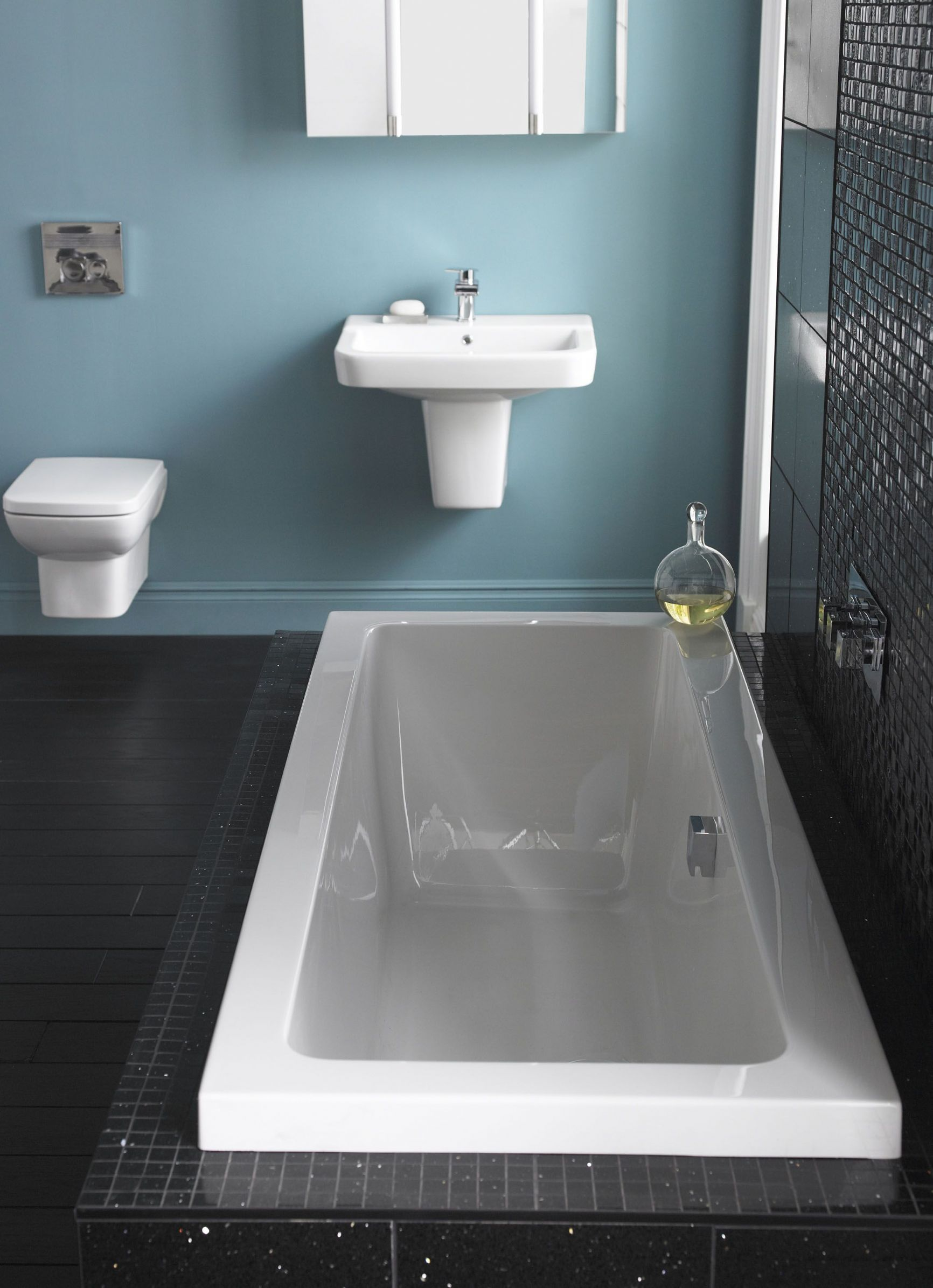 Hudson Reed Square Single Ended Bath With Panel Options