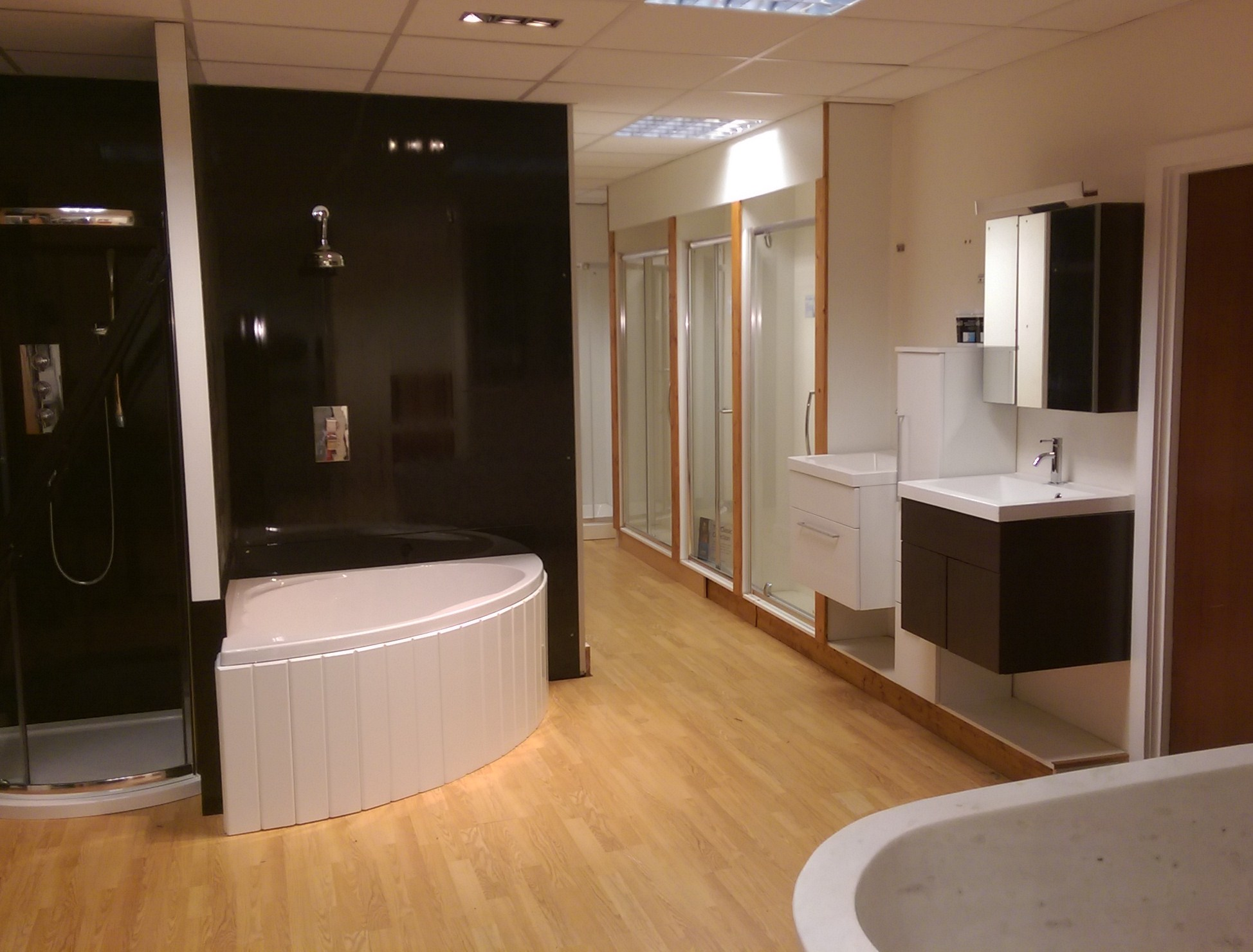 bath panel showroom 1
